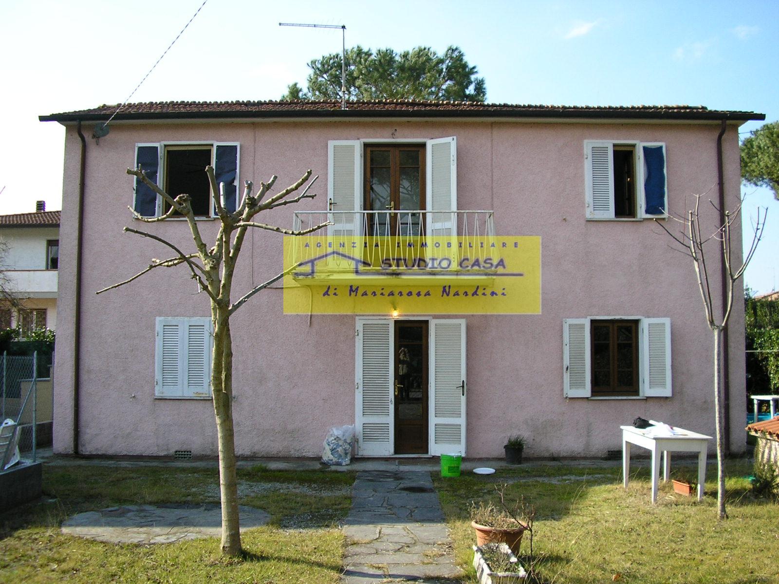vendita casa indipendente forte dei marmi spalle centro  900000 euro  4 locali  99 mq
