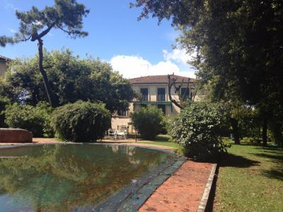 villa con piscina in Vendita a Forte dei Marmi