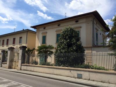 FONDO COMMERCIALE in Vendita a Santa Croce sull'Arno
