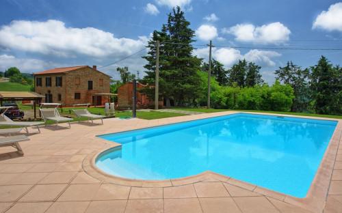 villa con piscina in Vendita a Peccioli