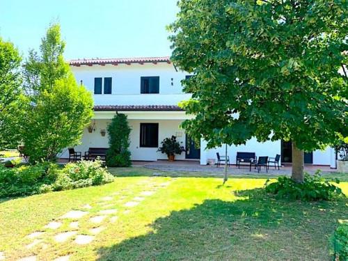 Villa Prestigiosa con Piscina in Vendita