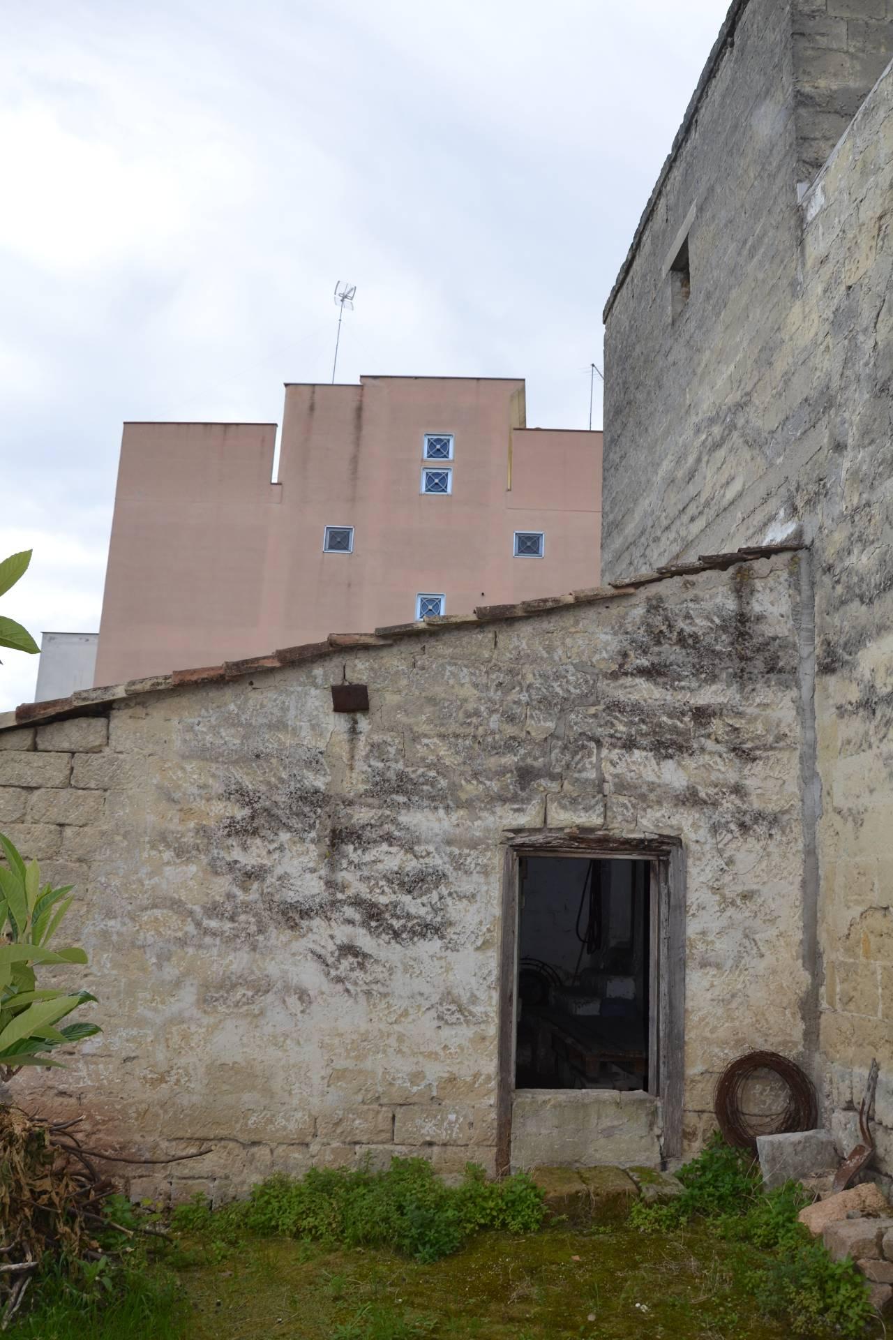 Casa singola in vendita a canosa di puglia cod r410 - Piano casa regione puglia ...