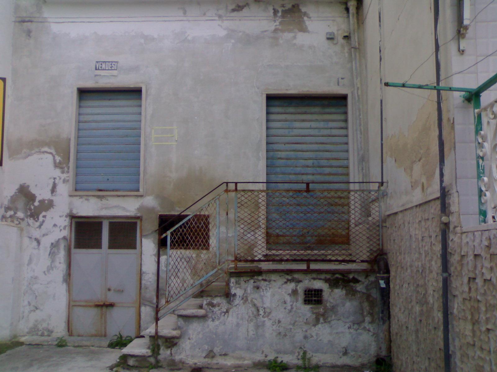 Casa singola in vendita a canosa di puglia cod r200 - Piano casa regione puglia ...