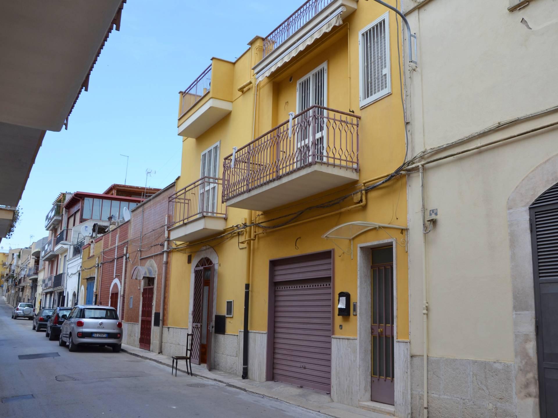Casa singola in vendita a canosa di puglia cod r470 - Piano casa regione puglia ...