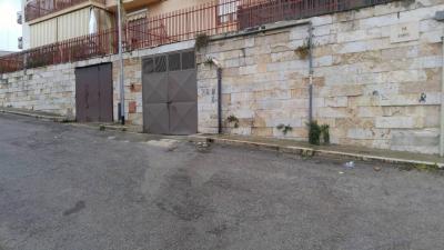 Box o garage in Vendita a Canosa di Puglia