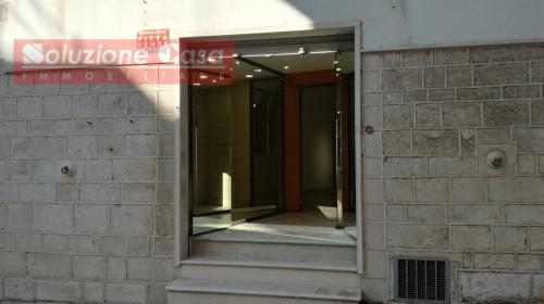 Locale commerciale in Affitto/Vendita a Canosa di Puglia