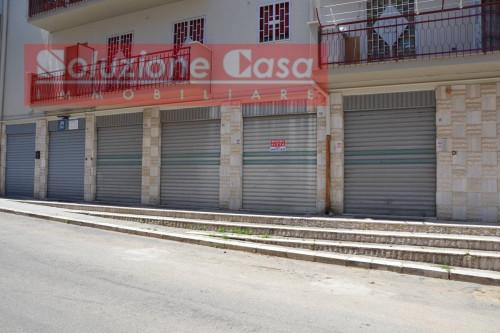 Locale commerciale in Affitto a Canosa di Puglia