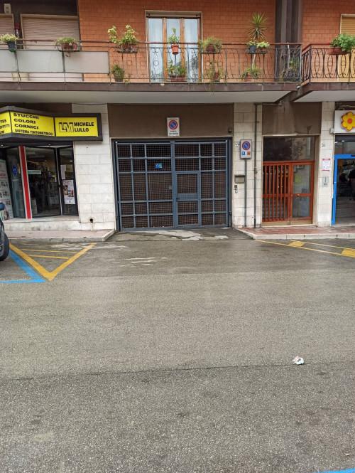 Box o garage in Affitto a Canosa di Puglia