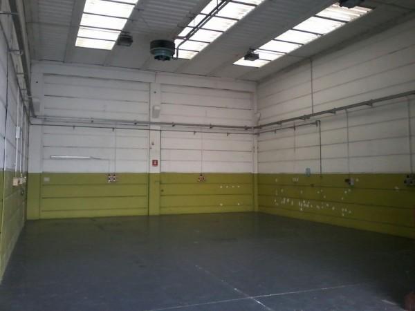 Capannone in affitto a Senago, 9999 locali, prezzo € 1.400 | CambioCasa.it
