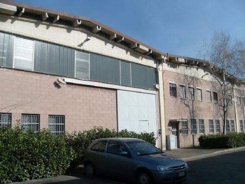Capannone in affitto a Paderno Dugnano, 9999 locali, prezzo € 3.500 | CambioCasa.it