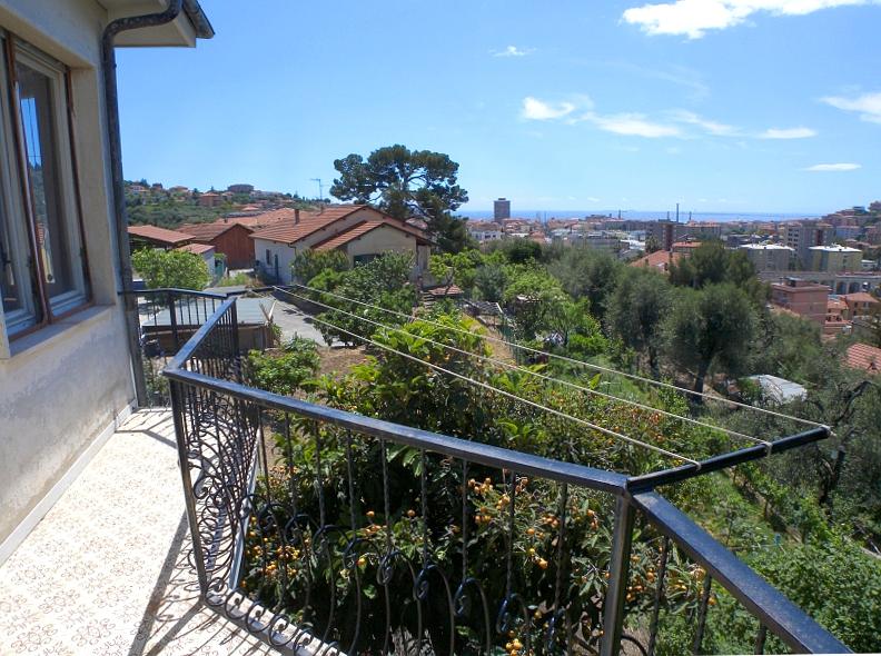 Appartamento in vendita a Imperia, 5 locali, zona Zona: Castelvecchio, prezzo € 187.000 | Cambio Casa.it