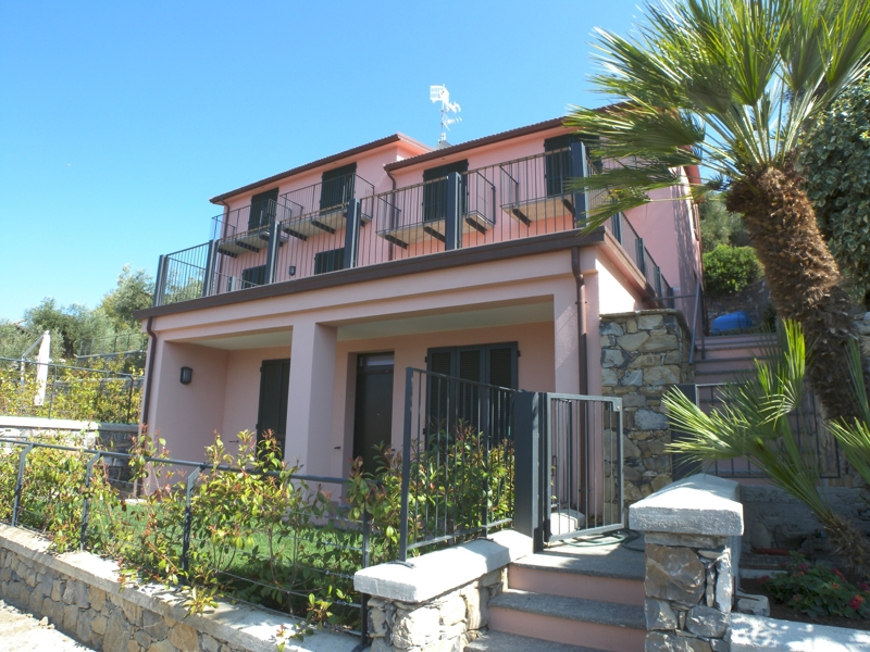Appartamento in vendita a Imperia, 3 locali, zona Località: PortoMaurizioperiferia, prezzo € 378.000 | Cambio Casa.it