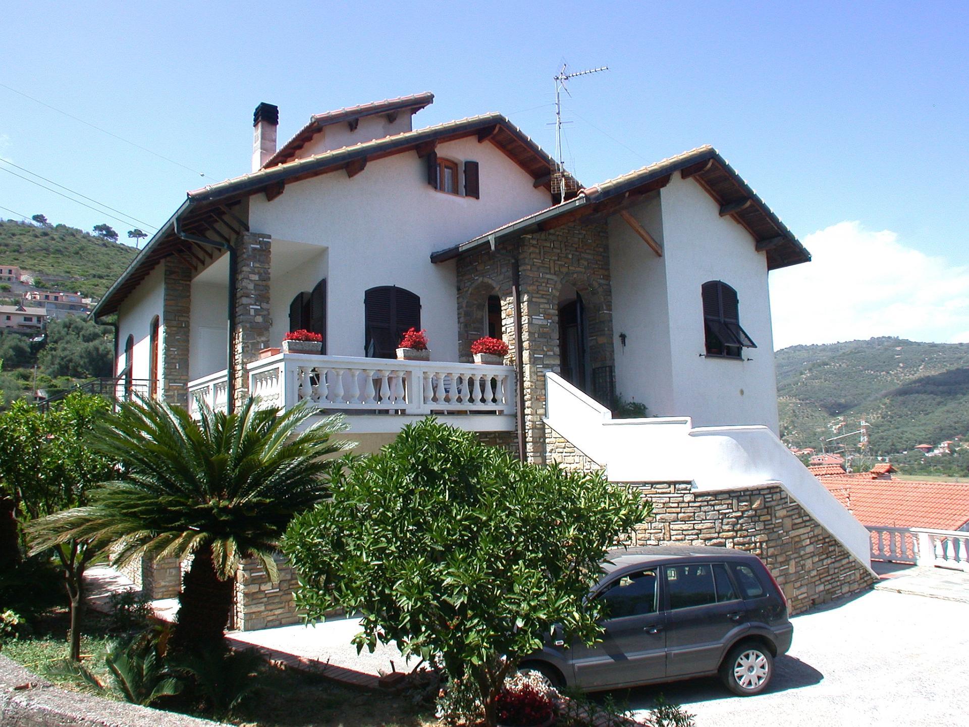 Altro in vendita a Imperia, 6 locali, zona Località: Onegliaperiferia, prezzo € 299.000   Cambio Casa.it