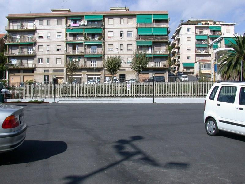 Negozio / Locale in affitto a Imperia, 9999 locali, zona Località: PortoMauriziocentro, prezzo € 2.200 | CambioCasa.it