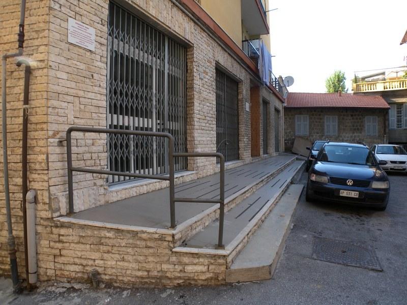 Negozio / Locale in affitto a Imperia, 9999 locali, zona Località: Onegliacentro, prezzo € 2.000 | Cambio Casa.it