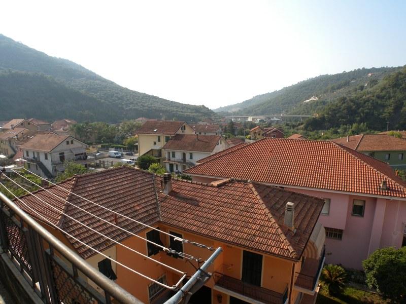 Appartamento in vendita a Pontedassio, 3 locali, prezzo € 85.000 | CambioCasa.it
