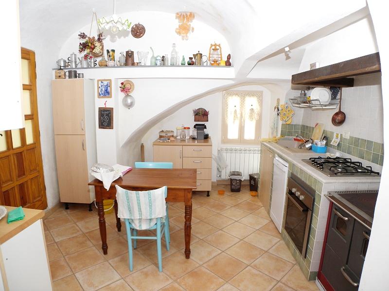 Appartamento in vendita a Vasia, 5 locali, zona etta, prezzo € 159.000 | PortaleAgenzieImmobiliari.it