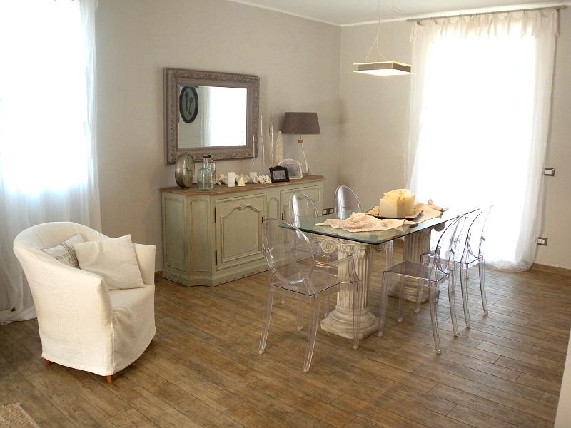 Appartamento in vendita a Imperia, 5 locali, zona Località: Onegliacentro, prezzo € 420.000 | Cambio Casa.it