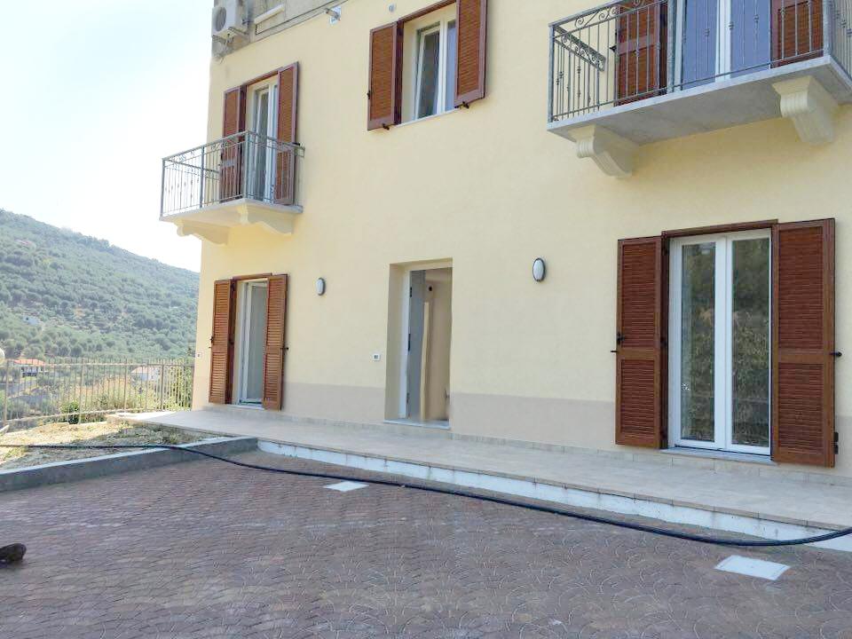 Appartamento in vendita a Diano Arentino, 3 locali, prezzo € 230.000 | Cambio Casa.it