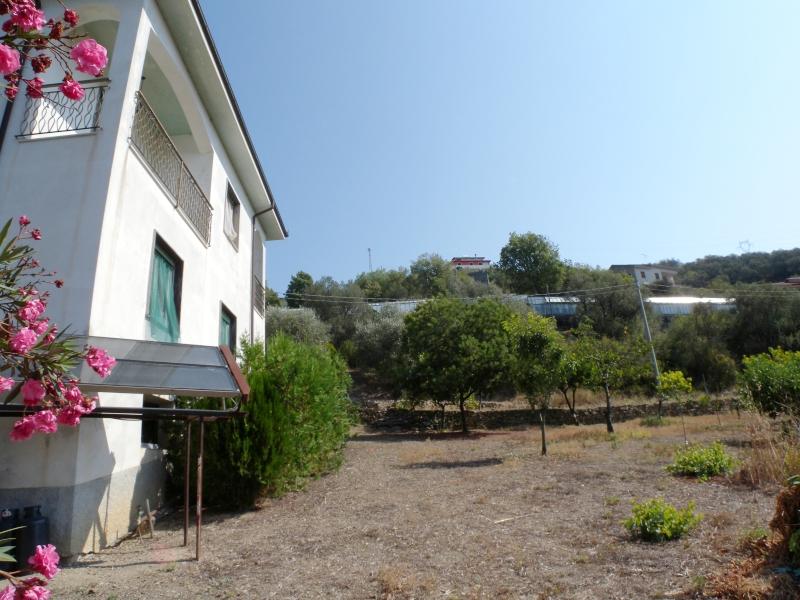 Appartamento in vendita a Imperia, 5 locali, zona Zona: Caramagna, prezzo € 198.000 | Cambio Casa.it