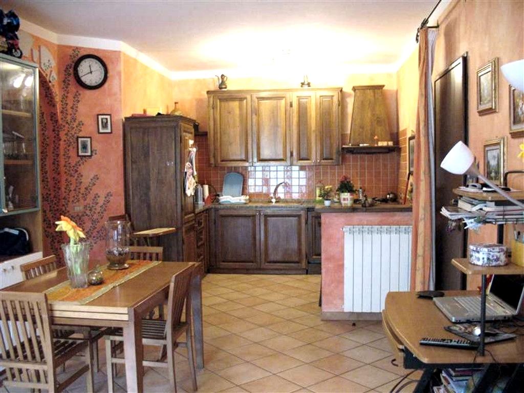 Appartamento in vendita a Pontedassio, 4 locali, prezzo € 150.000 | CambioCasa.it