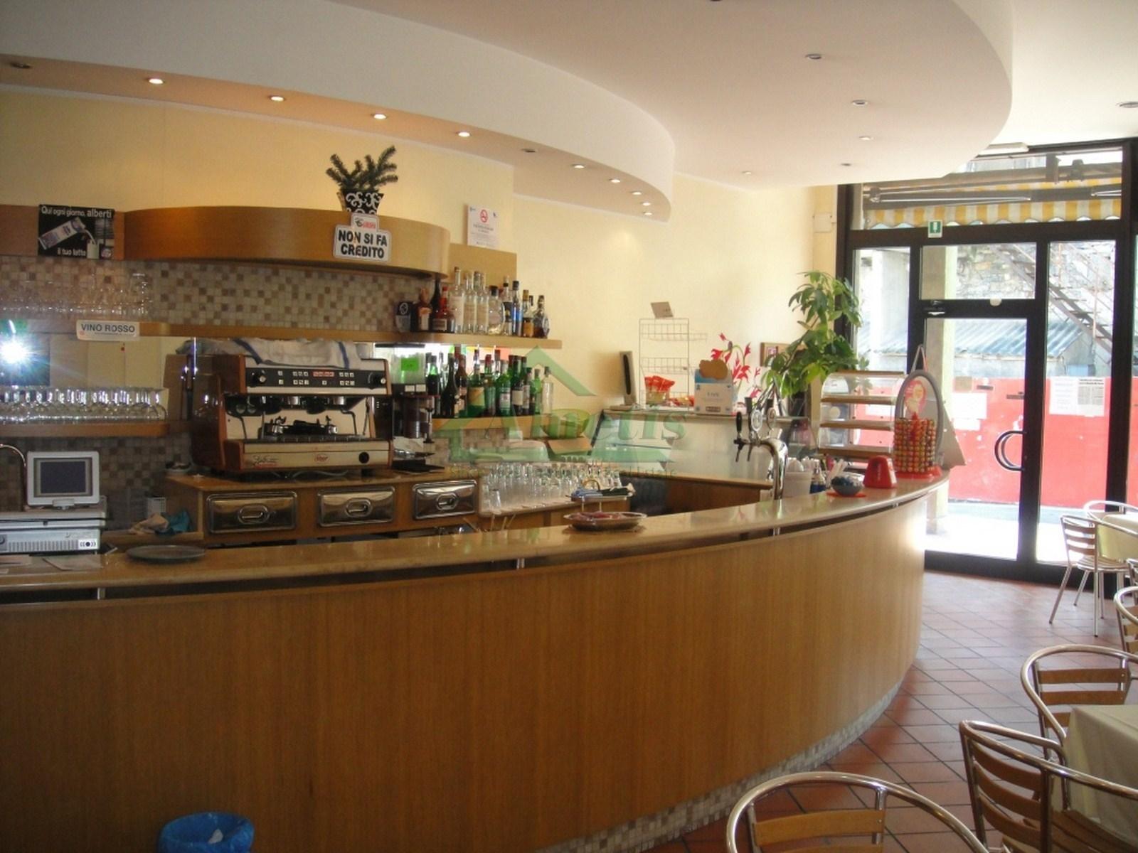Negozio / Locale in affitto a Imperia, 9999 locali, zona Zona: Castelvecchio, prezzo € 90.000 | CambioCasa.it