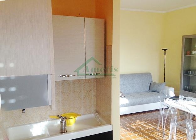 Appartamento in affitto a Imperia, 4 locali, zona Zona: Castelvecchio, prezzo € 450   CambioCasa.it