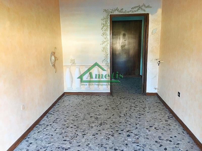 Laboratorio in vendita a Imperia, 9999 locali, zona Località: Onegliacentro, prezzo € 37.000 | Cambio Casa.it