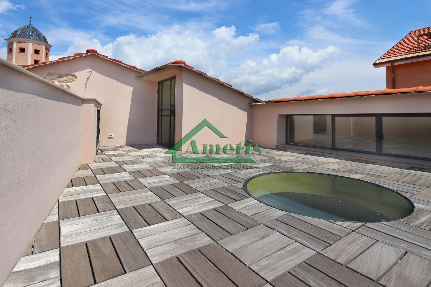 Appartamento in vendita a Diano Castello, 3 locali, prezzo € 250.000 | CambioCasa.it