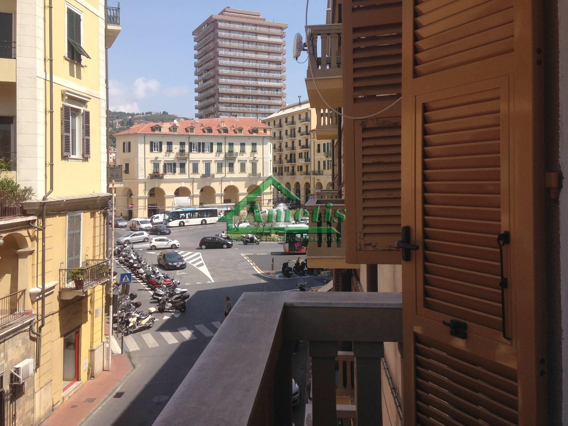 Appartamento in affitto a Imperia, 4 locali, zona Località: Onegliacentro, prezzo € 530 | CambioCasa.it