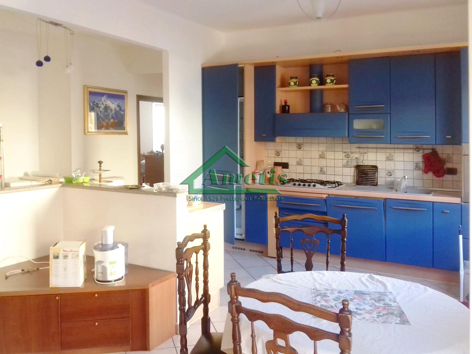 Appartamento in affitto a Imperia, 3 locali, zona Località: PortoMauriziocentro, prezzo € 500 | CambioCasa.it