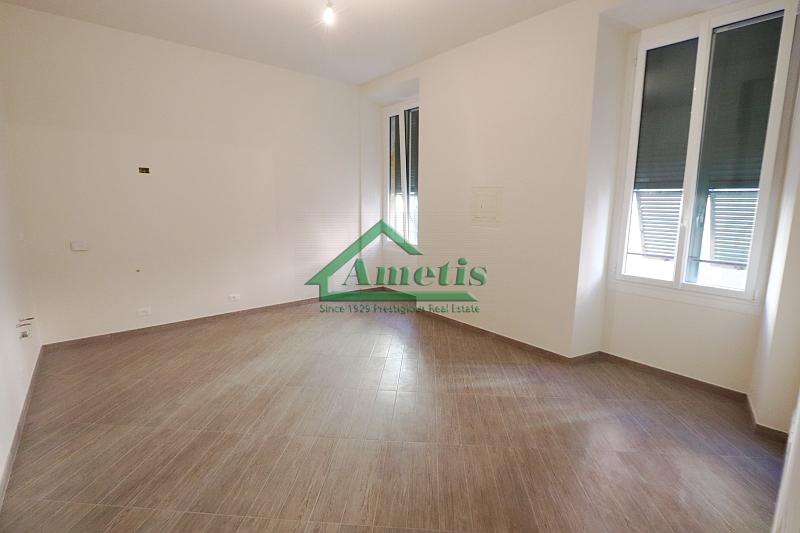 Appartamento in affitto a Imperia, 4 locali, zona Località: PortoMauriziocentro, prezzo € 650 | CambioCasa.it