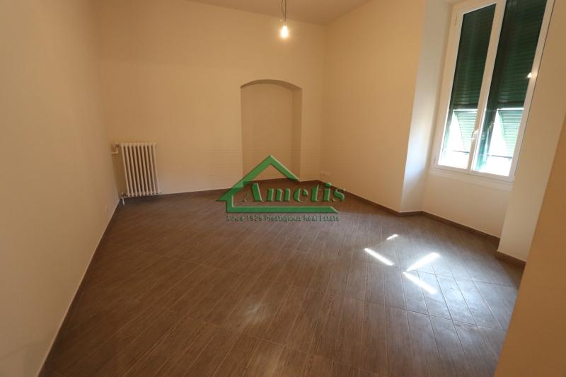 Appartamento in affitto a Imperia, 2 locali, zona Località: PortoMauriziocentro, prezzo € 500 | CambioCasa.it