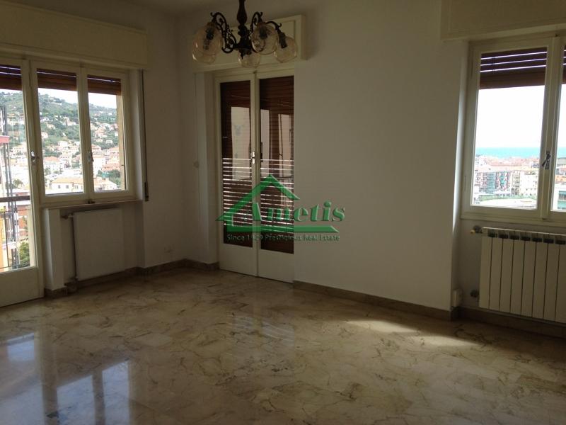 Appartamento in affitto a Imperia, 3 locali, zona Località: Onegliacentro, prezzo € 500   CambioCasa.it