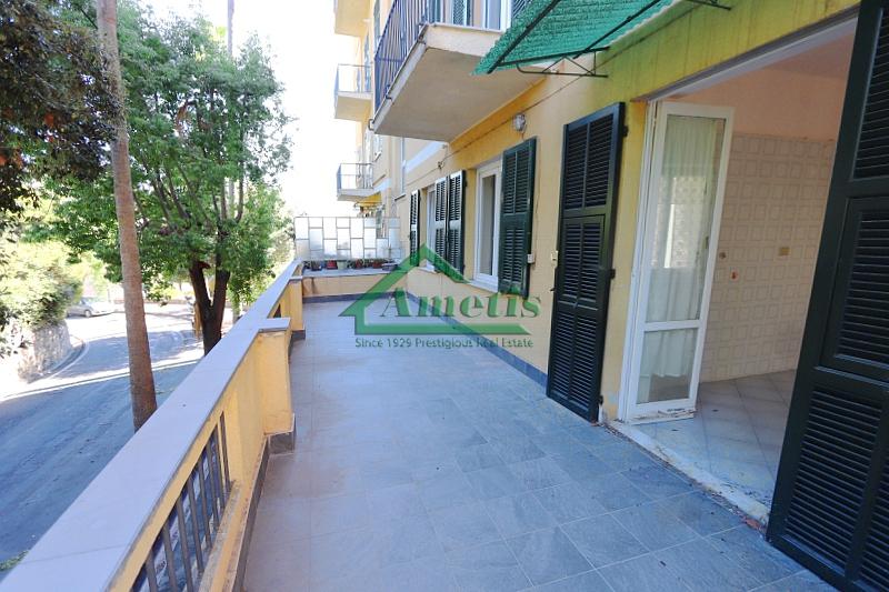 Appartamento in vendita a Imperia, 5 locali, zona Località: PortoMauriziocentro, prezzo € 183.000 | CambioCasa.it