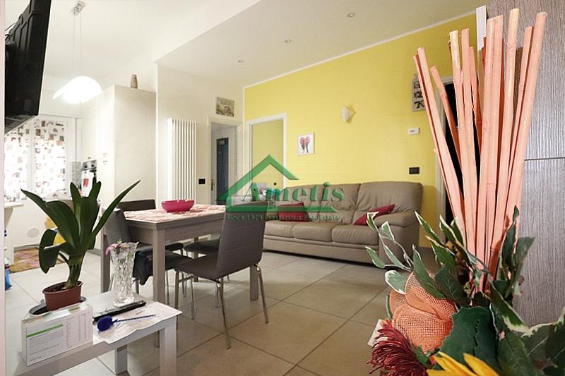 Appartamento in vendita a Imperia, 3 locali, zona Località: Onegliacentro, prezzo € 135.000 | CambioCasa.it