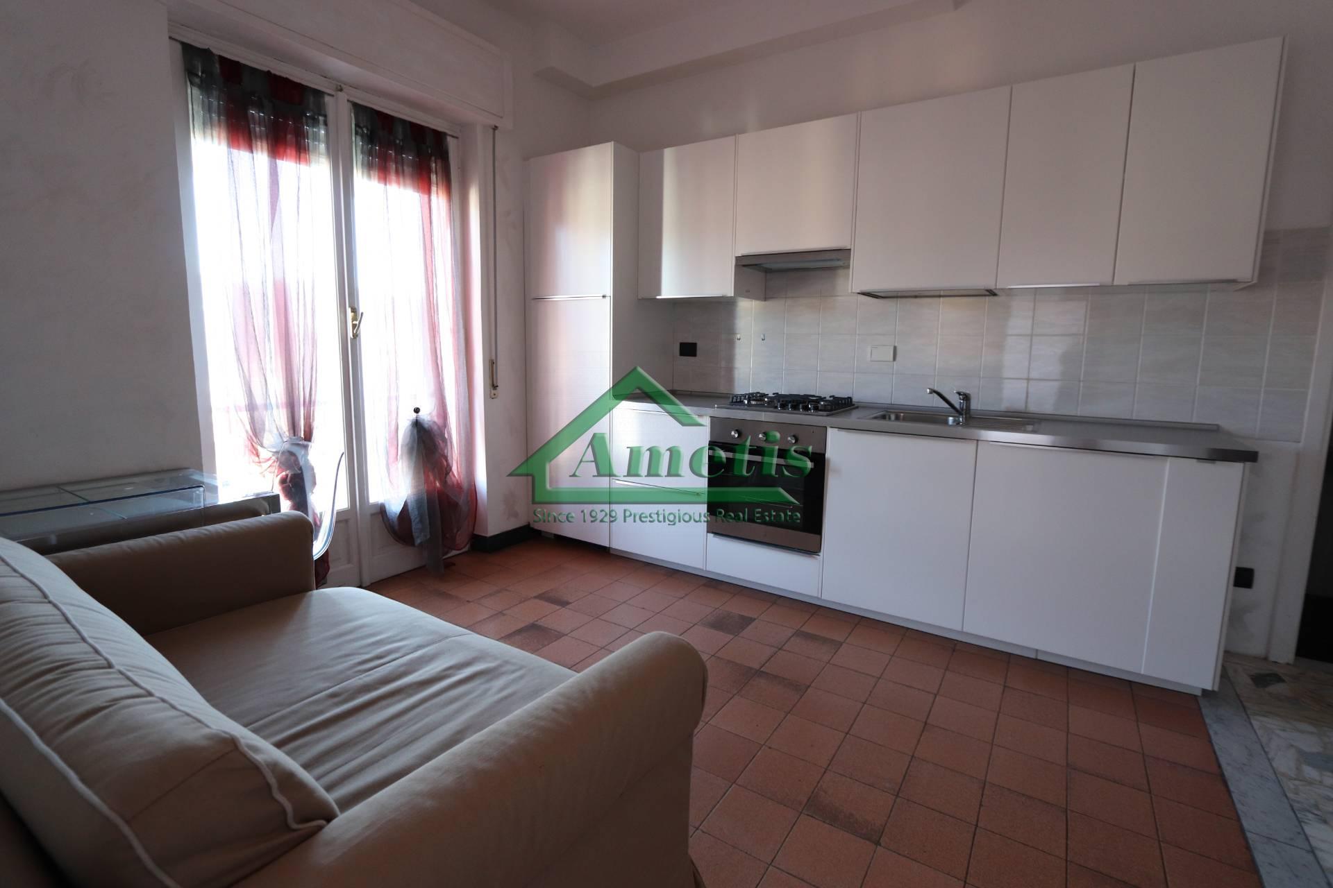 Appartamento in affitto a Imperia, 2 locali, zona Località: Onegliacentro, prezzo € 400   CambioCasa.it