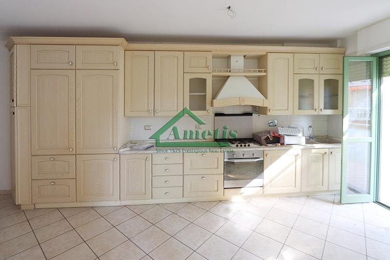 Appartamento in affitto a Imperia, 3 locali, zona Località: Onegliaperiferia, prezzo € 550   CambioCasa.it