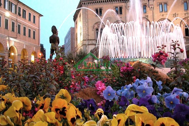 Negozio / Locale in affitto a Imperia, 2 locali, zona Località: Onegliacentro, Trattative riservate | CambioCasa.it