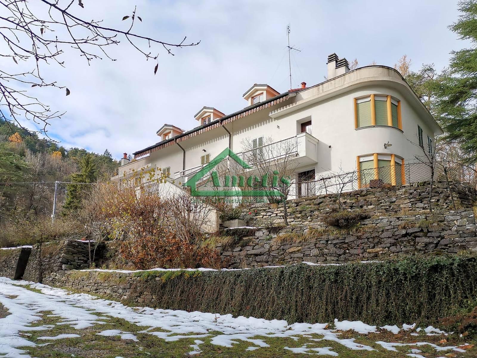 Appartamento in vendita a Pornassio, 4 locali, zona Località: CasediNava, prezzo € 72.000 | CambioCasa.it