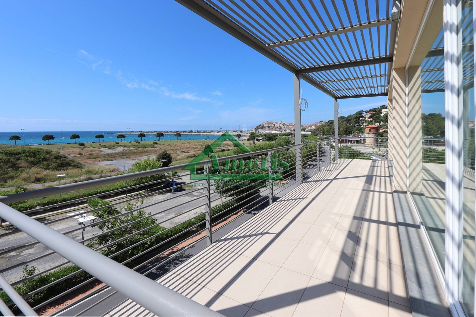 Appartamento in vendita a Imperia, 3 locali, zona Località: Onegliacentro, Trattative riservate | CambioCasa.it
