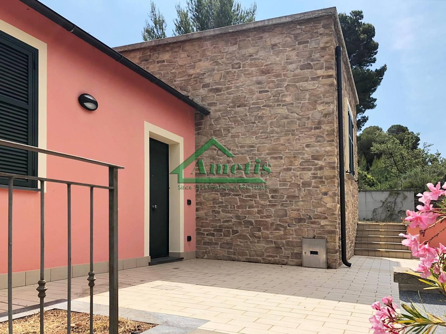 Villa in vendita a Diano Marina, 3 locali, prezzo € 327.000 | PortaleAgenzieImmobiliari.it