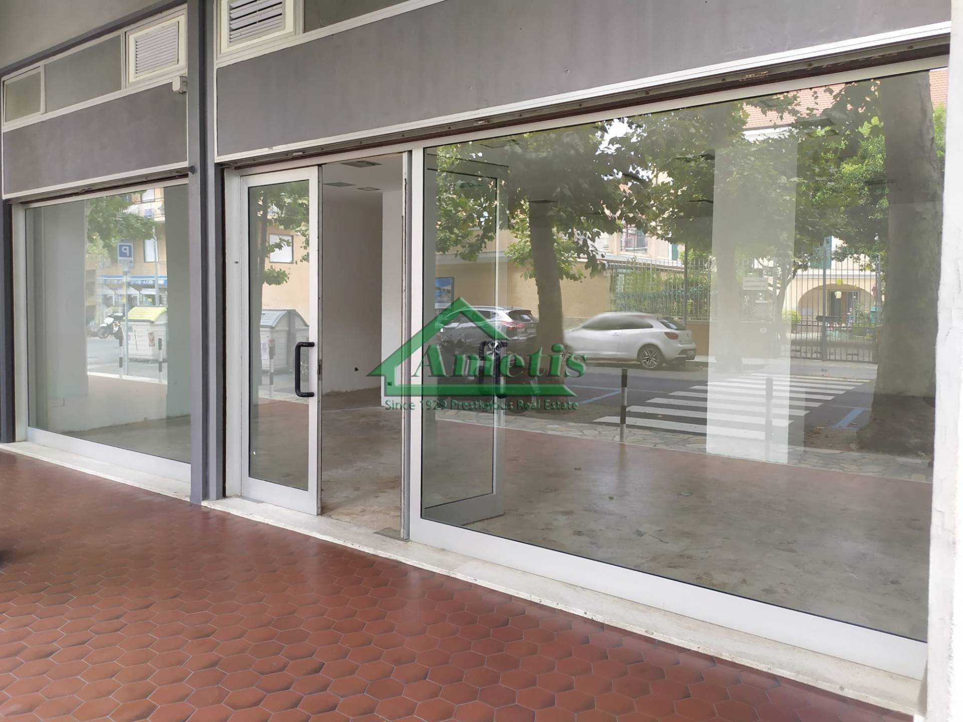 Negozio / Locale in affitto a Diano Marina, 1 locali, prezzo € 1.300 | PortaleAgenzieImmobiliari.it