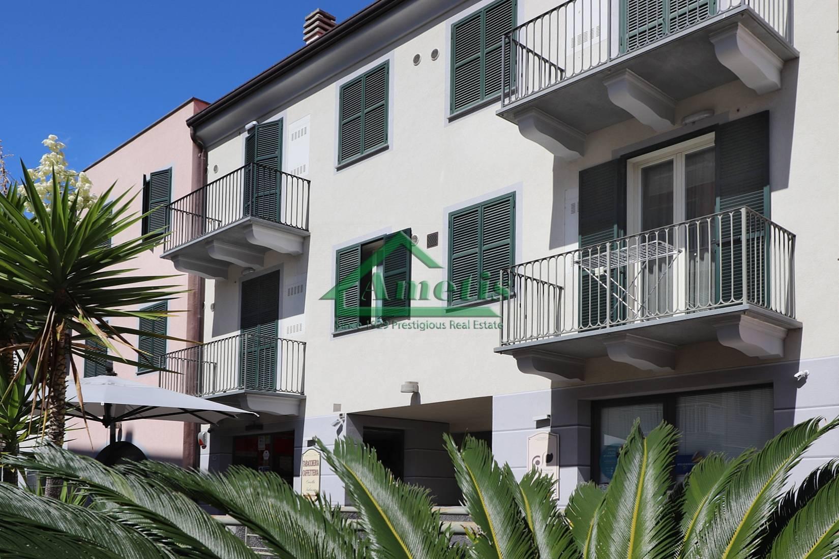 Appartamento in vendita a San Bartolomeo al Mare, 2 locali, prezzo € 246.000 | CambioCasa.it