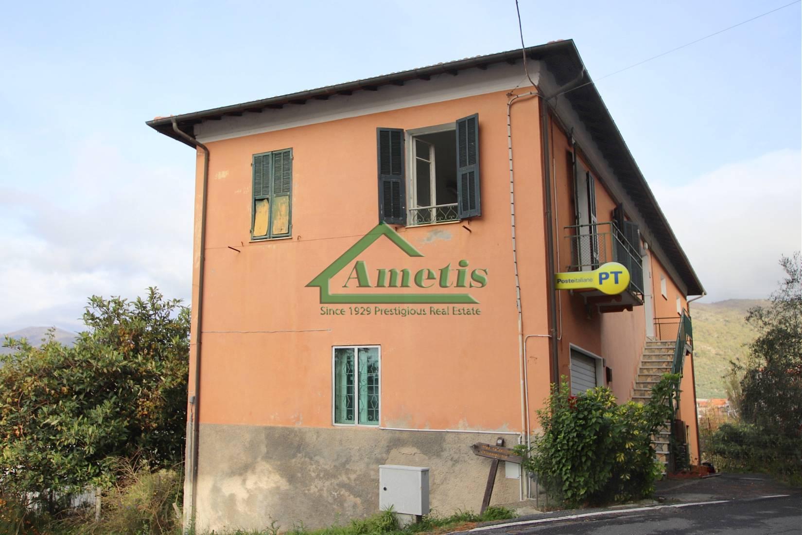 Appartamento in vendita a Chiusanico, 6 locali, prezzo € 88.000 | CambioCasa.it