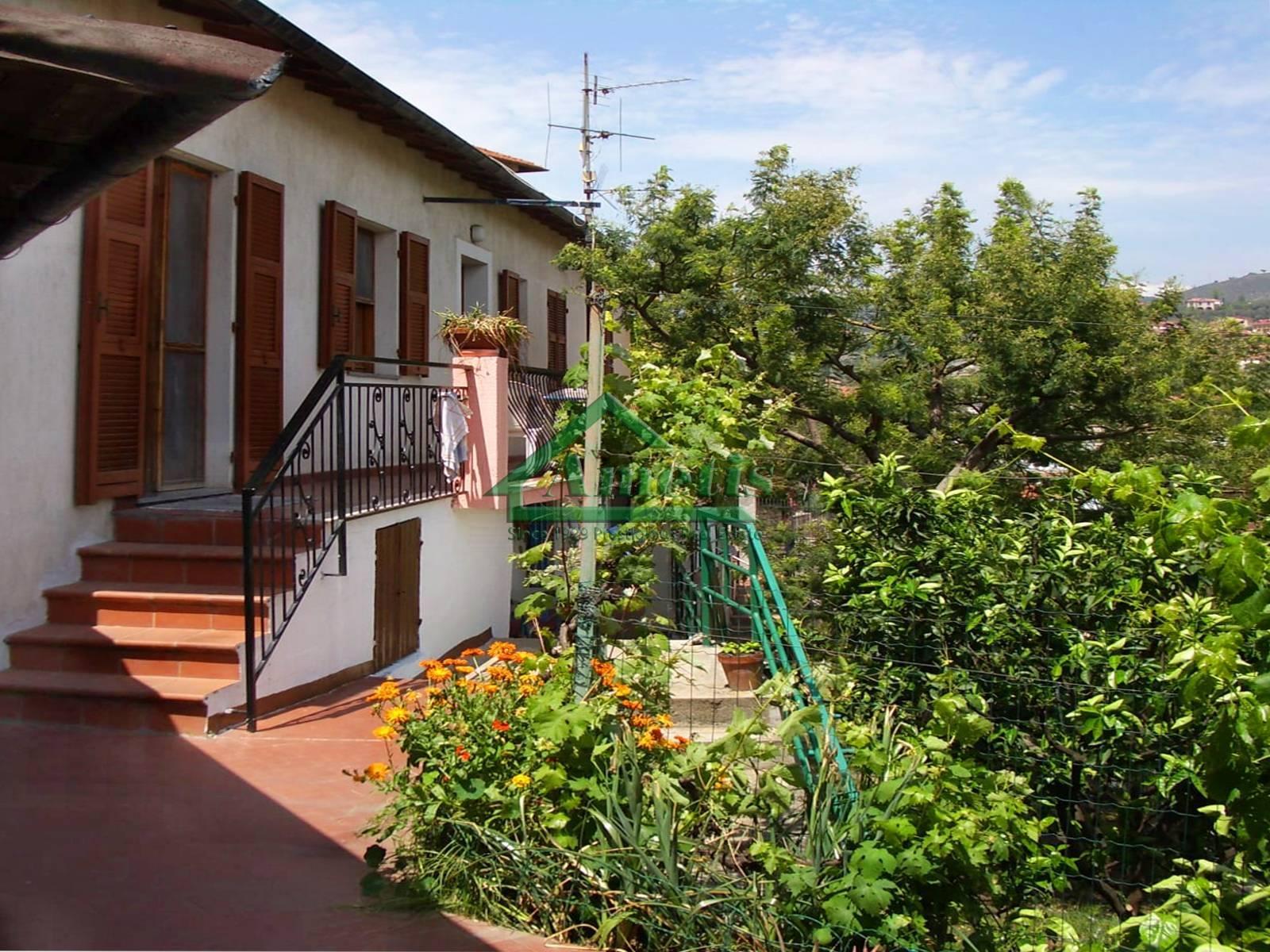 Villa in vendita a Imperia, 3 locali, zona Località: Onegliacentro, prezzo € 167.000   PortaleAgenzieImmobiliari.it