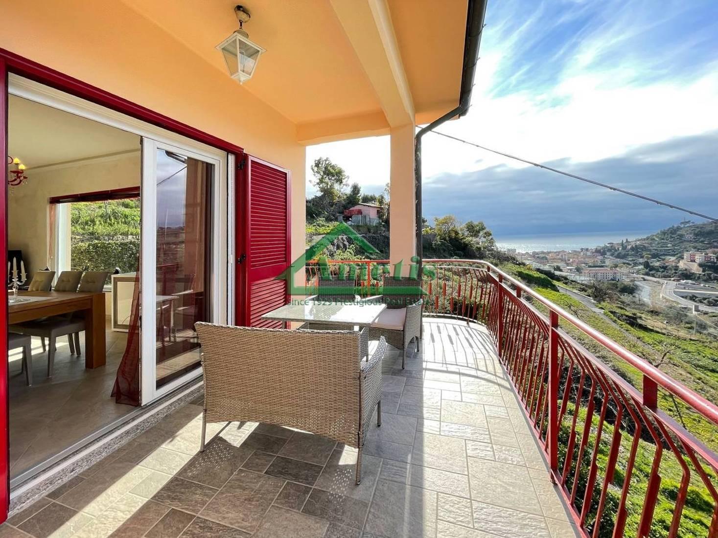 Appartamento in vendita a San Lorenzo al Mare, 5 locali, prezzo € 365.000 | CambioCasa.it