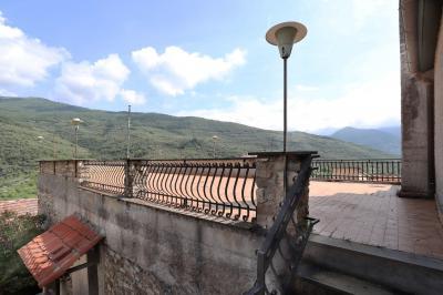 Rustico/Casale in Vendita a Borgomaro