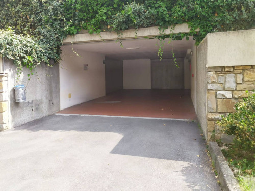 Garage in Affitto a Imperia