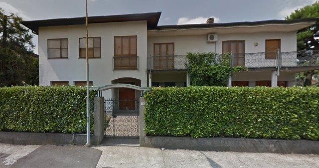 Parabiago | Villa in Vendita in PARABIAGO ZONA PIAZZA MER | lacasadimilano.it